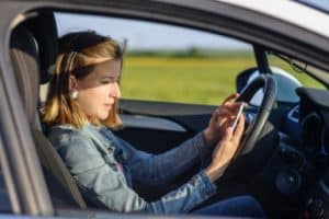 Were You Injured in an Accident that Involved a Distracted Driver in Scottsdale, Arizona?
